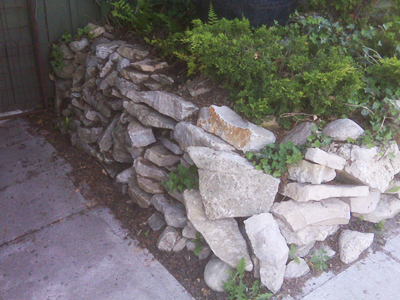 natural stones wall build up